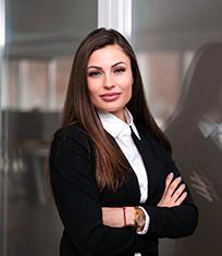 Jennifer Muriniti die Abteilungsleiterin des Inside Sales bei INPOSIA.