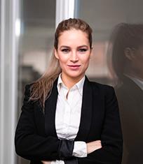 Christina Braun, unsere Ansprechpartnerin für Karriere bei INPOSIA und Assistenz der Geschäftsführung.