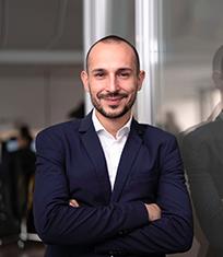 Marius Rotaru aus Rumänien kümmert sich auch um Ihre INPOSIA Lösungen.